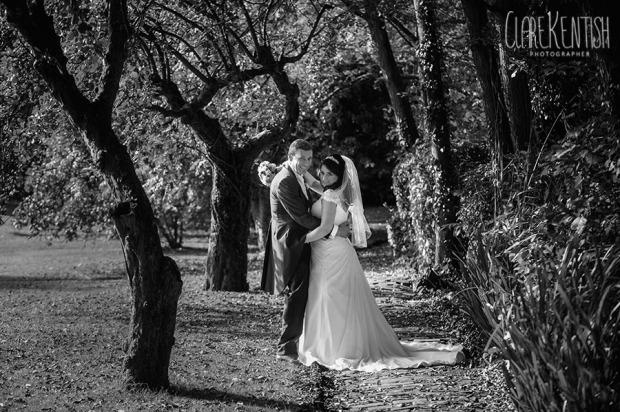 Rayleigh_Essex_Wedding_Photographer_Clare_Kentish_Leez_Priory_71