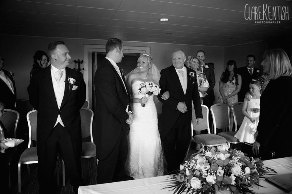 Rayleigh_Essex_Wedding_Photographer_Clare_Kentish_Marriott16