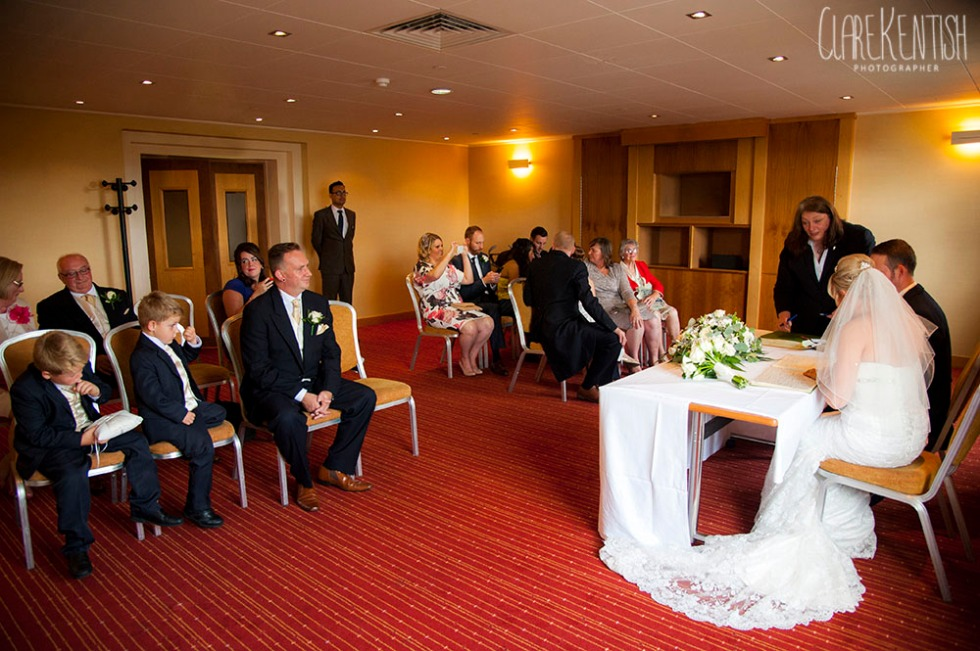 Rayleigh_Essex_Wedding_Photographer_Clare_Kentish_Marriott17