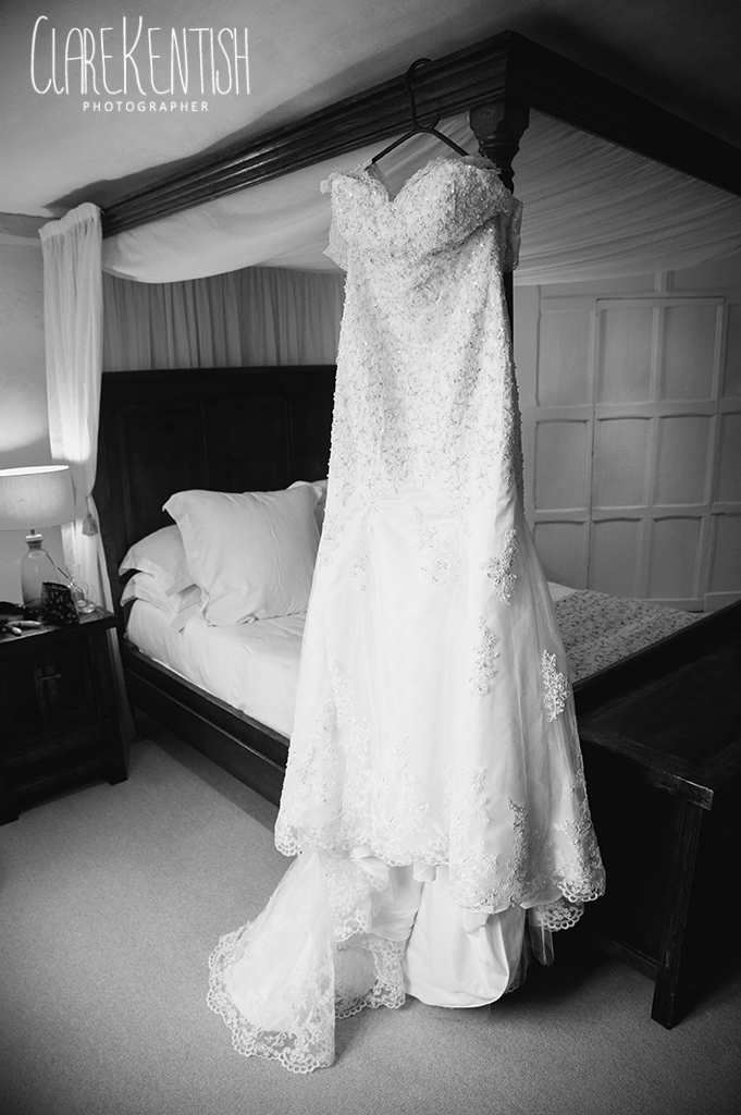 Rayleigh_Essex_Wedding_Photographer_Maison_Le_Talbooth_Dedham02