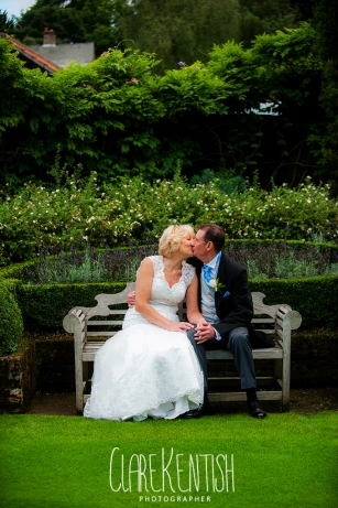 Rayleigh_Essex_Wedding_Photographer_Maison_Le_Talbooth_Dedham36