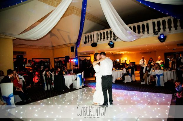 essex_wedding_photographer_rayleigh_photography_woolston_manor_chigwell_500