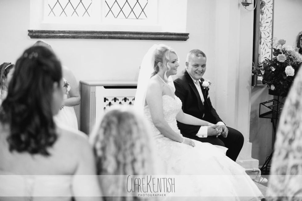 essex_wedding_photographer_rayleigh_ye_olde_plough_house_da-359