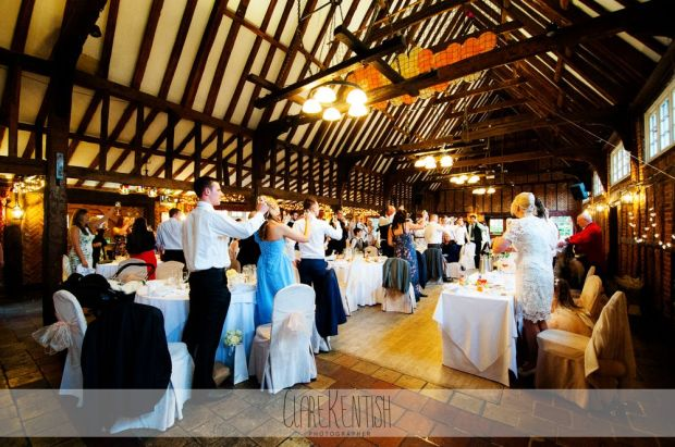 essex_wedding_photographer_rayleigh_ye_olde_plough_house_da-373