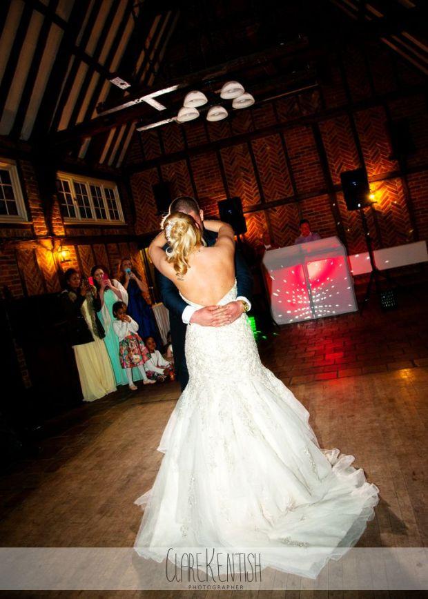 essex_wedding_photographer_rayleigh_ye_olde_plough_house_da-376