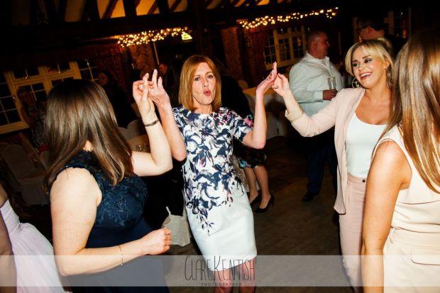essex_wedding_photographer_rayleigh_ye_olde_plough_house_da-380