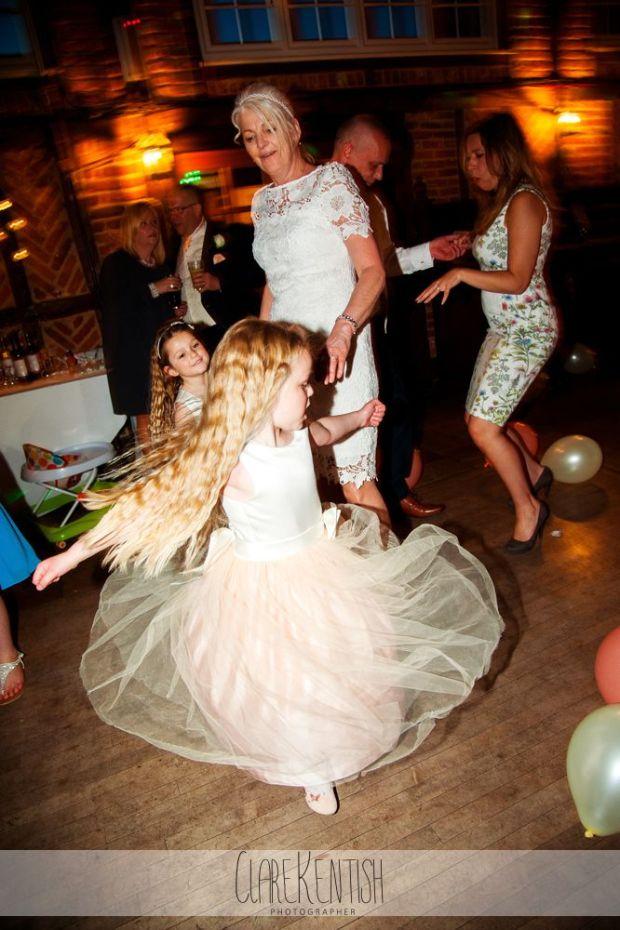 essex_wedding_photographer_rayleigh_ye_olde_plough_house_da-381